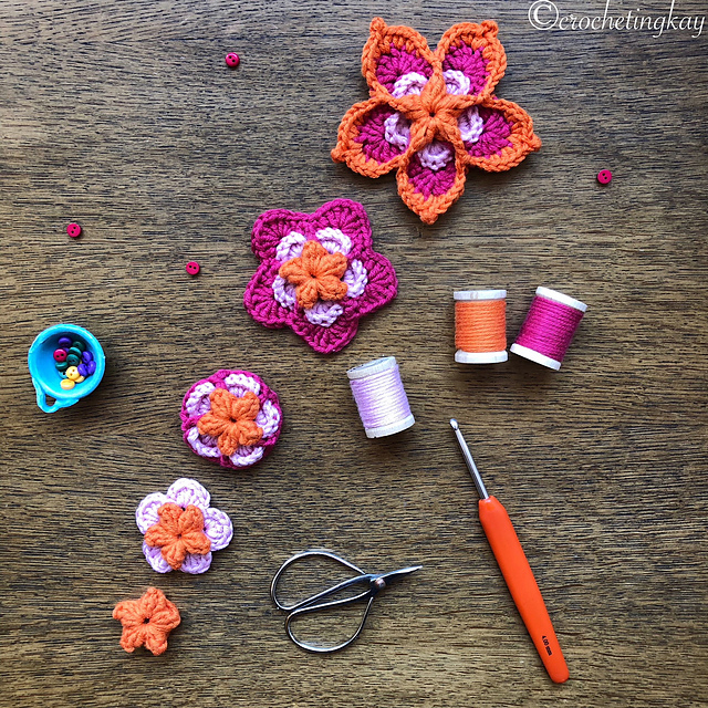 The Fab5Flower by Kela Ahnhem for SistersInStitch